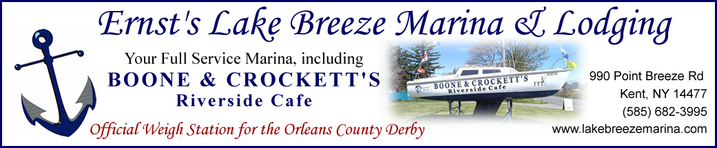 Ernst's Lake Breeze Marina featuring Boone & Crockett's Riverside Cafe